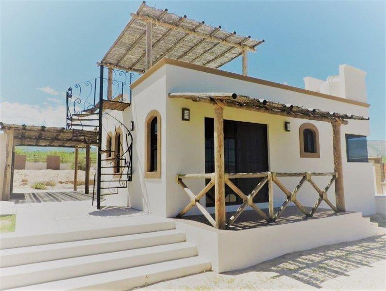 Cute cottage near beach in El Sargento/La Ventana, holiday rental in El Sargento