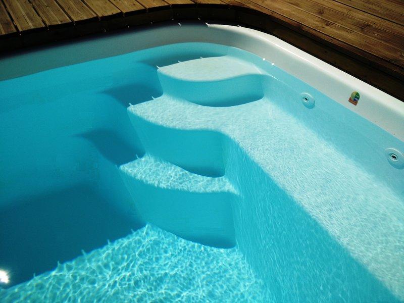 Swimming pool (detail)