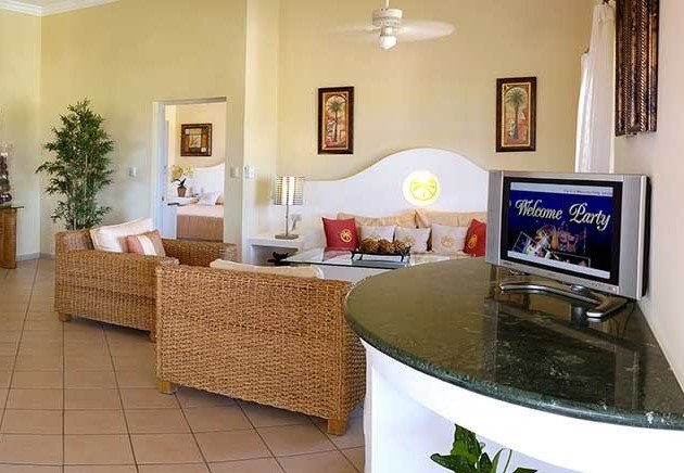 2 Bedroom Penthouse, Crown Suites ALL inclusive VIP package, holiday rental in Ranchete