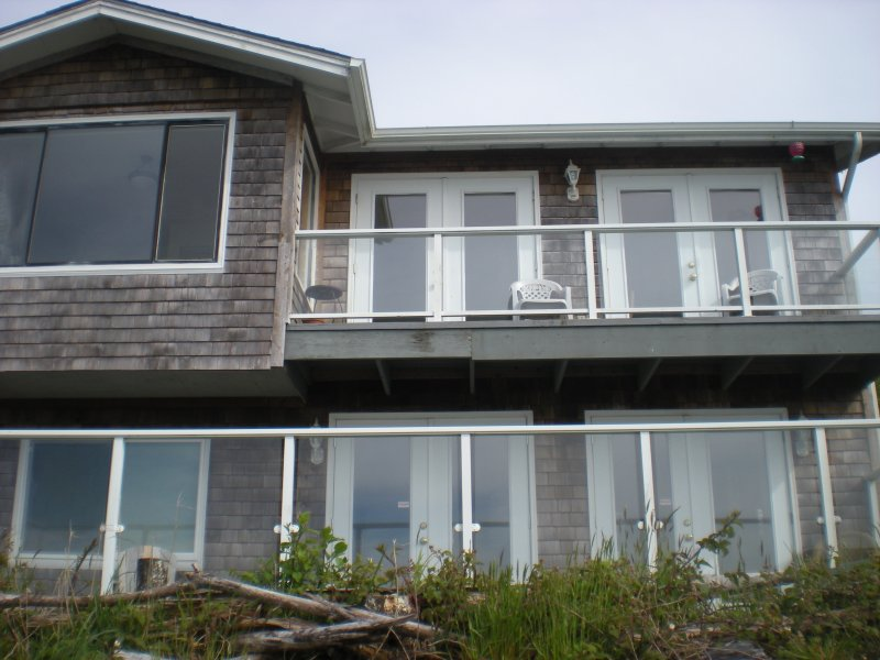 Waterfront Condo Upper, holiday rental in Coos Bay