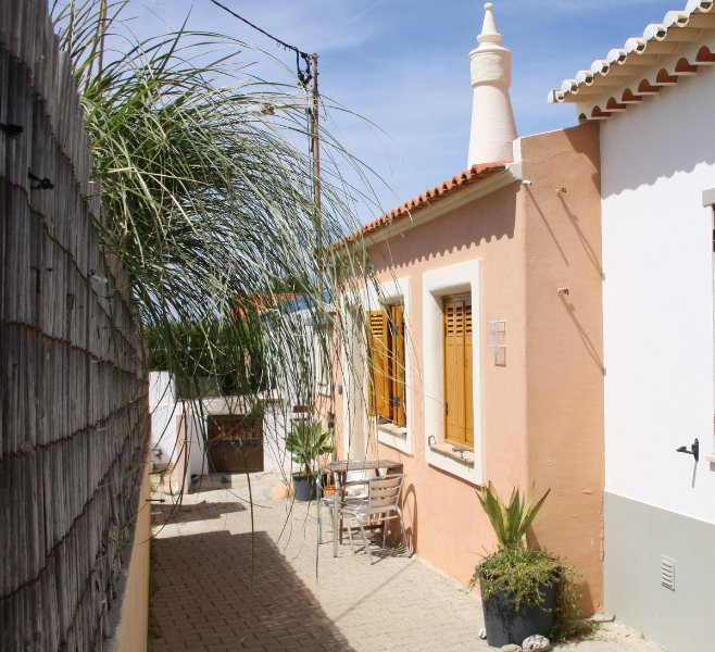 Tonel Cottage - charming cottage very close to the beach!, location de vacances à Sagres