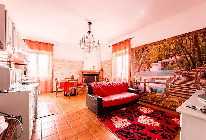 GRAZIOSO APPARTAMENTO ROMA, aluguéis de temporada em Colonna