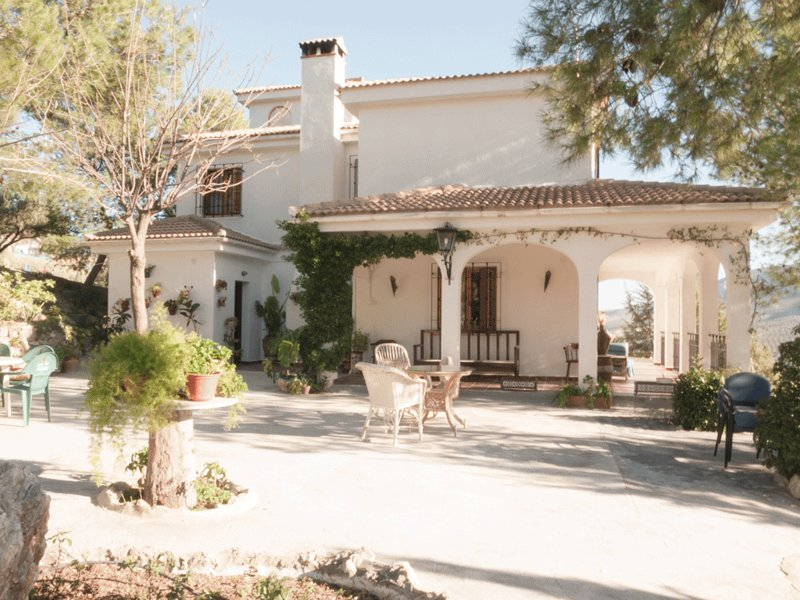 Amazing villa with swimming-pool, vacation rental in Torres