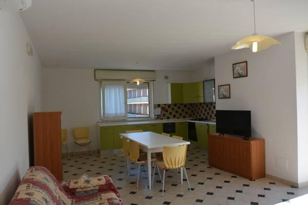 Appartamenti per vacanze Stella Marina - soluzione 'Deluxe', holiday rental in Tortoreto Lido