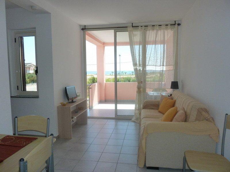 San Rocco 1A2.4 - Holiday Apartment, vakantiewoning in San Sostene
