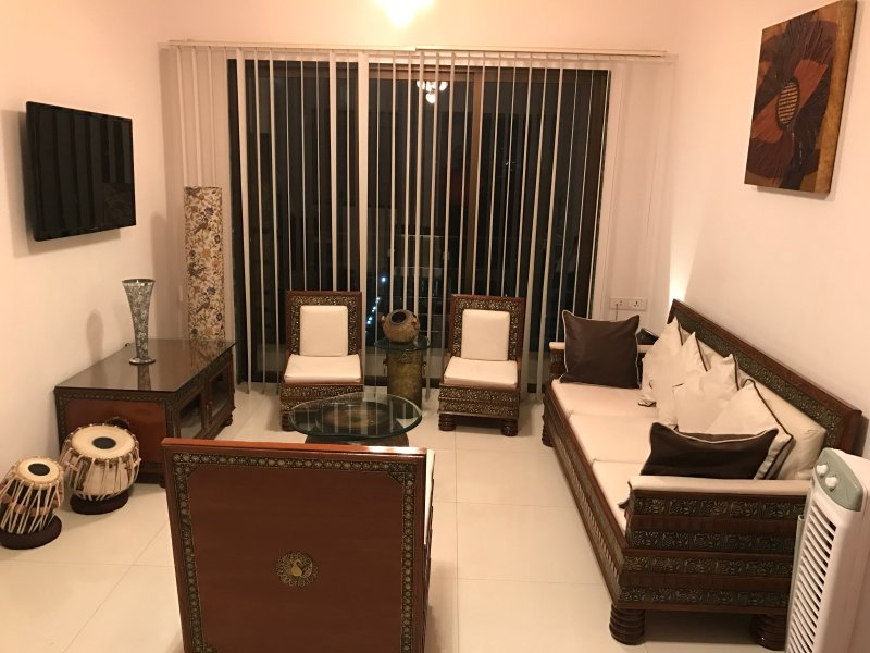 MUMBAI - ANDHERI - 2 BEDROOM LUXURY APARTMENT, holiday rental in Mumbai