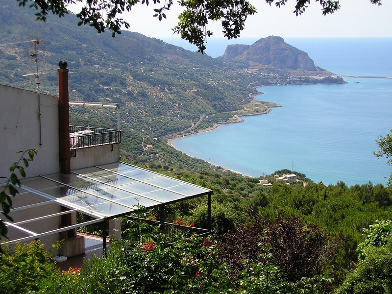 Sant'Ambrogio Apartment Sleeps 7 with Air Con and WiFi - 5227237, vacation rental in Finale