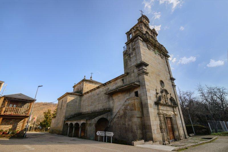 Chiesa Trefacio in Plaza Mayor