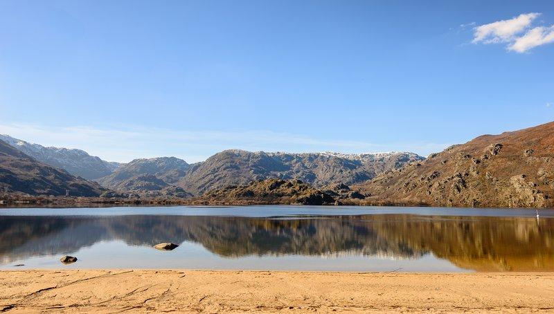 Sanabria Lake, 6 kms.