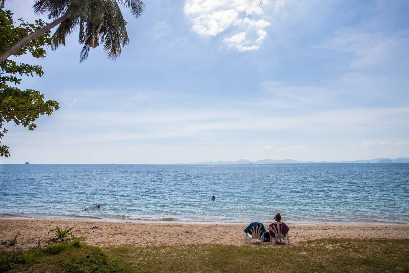 2 a 3 chambres a 150 metres de la plage vu sur mer, holiday rental in Krabi Town