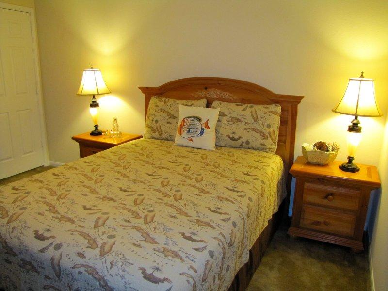 Steven's Lair B&B, The Woodlands, Caribbean Bungalow, vacation rental in Oak Ridge North