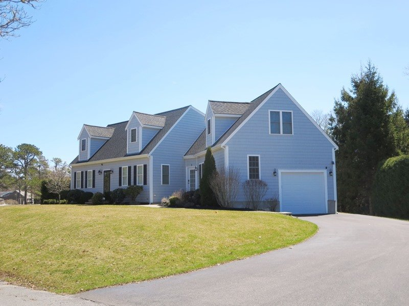 Welcome to Four Shore! Plenty of room to park 4 cars - 9 Wilfin Road South Yarmouth Cape Cod - New England Vacation Rentals