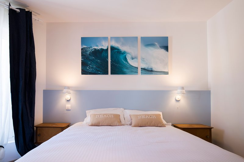 In the master suite Calme Ocean Double