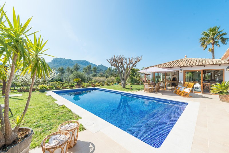 CAN SION - Villa for 5 people in Esporles, vacation rental in Esporles