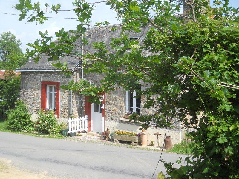 Le Chataignier cottage, vacation rental in Champgenéteux