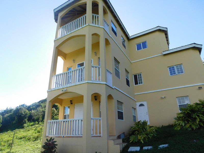 Valley Views, holiday rental in St. Eustatius