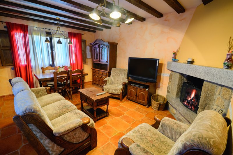 Casa Rural 8 Plazas San Justo, holiday rental in San Justo