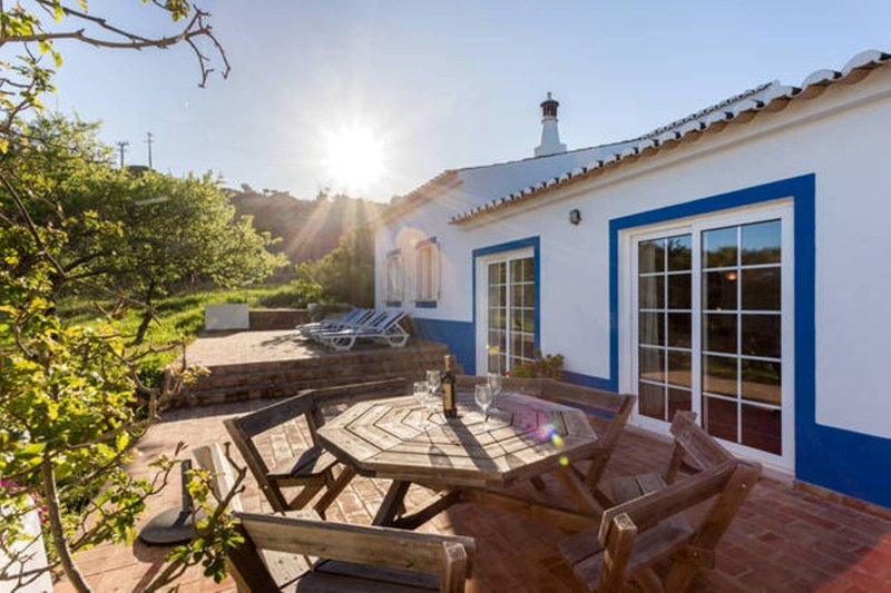 Spacious Farmhouse with pool set in 5 acres of grounds near the sea 7509/AL, casa vacanza a Barao de Sao Miguel
