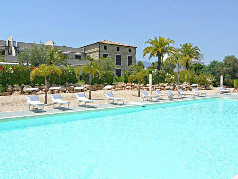 Villa Michelle - South Sardinia - Sharing Swimming pool, vacation rental in Santa Margherita di Pula
