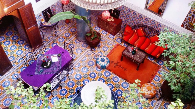 Discover an authentic Riad with traditional decor, charming atmosphere 5 minutes from Jamaa lfna
