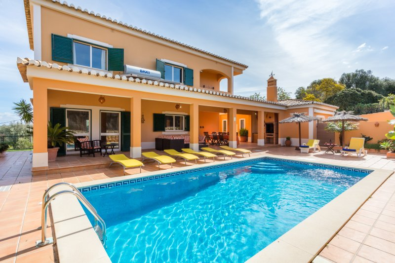 Rent Abilio's Villa in Alvor, location de vacances à Alvor