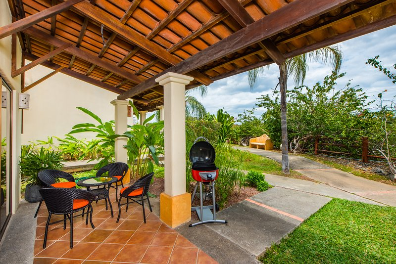 Coco Sunset Hills 52 - Two Bedrooms Apartment with Balcony, holiday rental in Playas del Coco