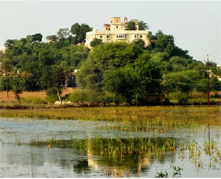 18th Century Heritage Castle-Titardi Garh, vacation rental in Udaipur District