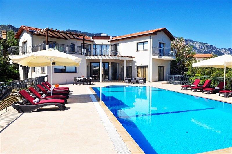 Designer Five bedroom villa, Northern Cyprus, holiday rental in Kayalar