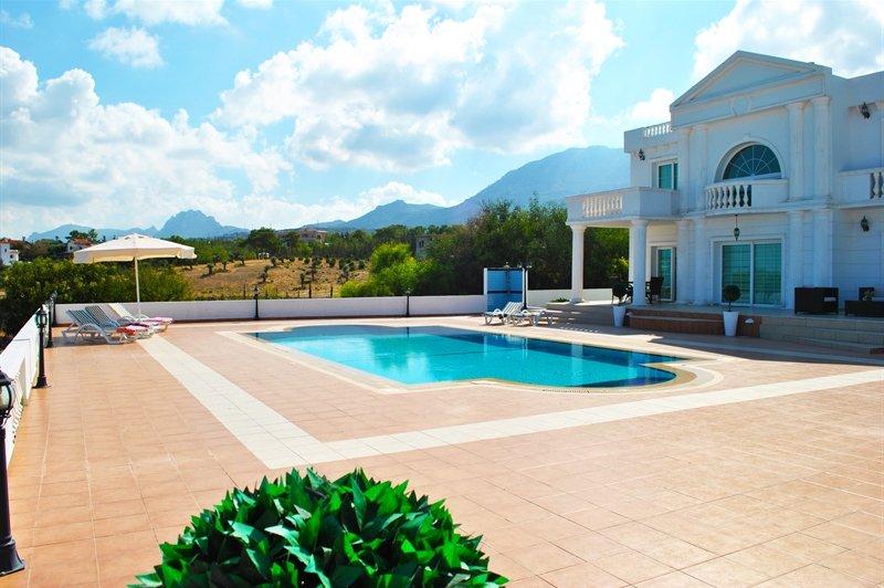 Roman villa with views, location de vacances à Catalkoy