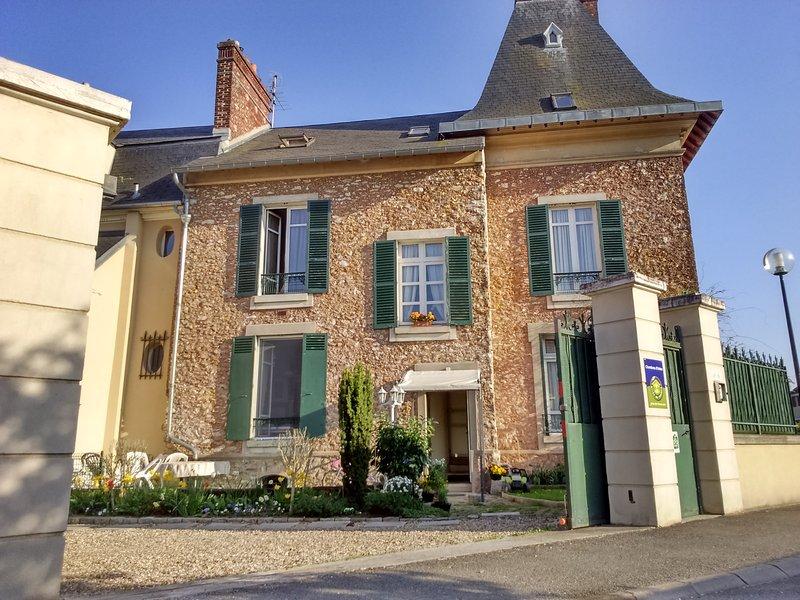 LES CHENEVIS / 3 Chambres d'hôtes / B&B près de CERGY, location de vacances à Villennes-sur-Seine