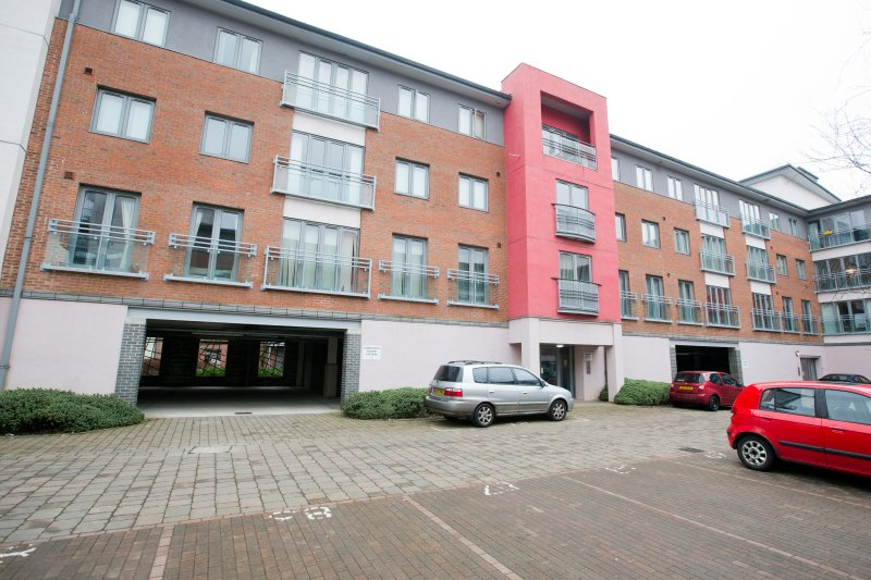 Cameronian Square is a quiet, sunny residential area with secure access to the building
