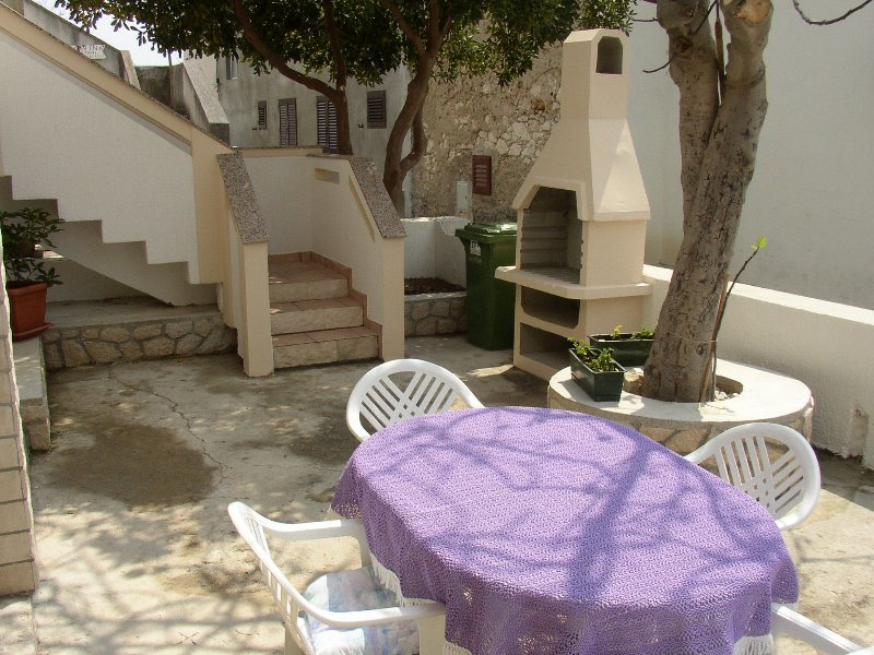 Luca A2(3+2) - Povljana, holiday rental in Island of Pag