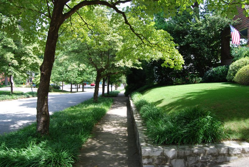 Brookwood Courtyard Condos - Walk to Studios on 25th Furnished Apartments