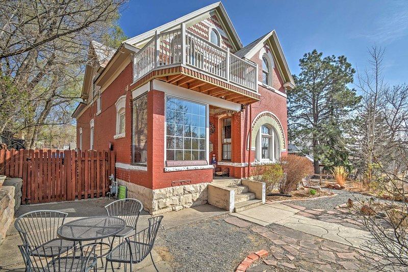 Explora Colorado Springs de esta 2br, 1BA casa de alquiler con capacidad para 4.