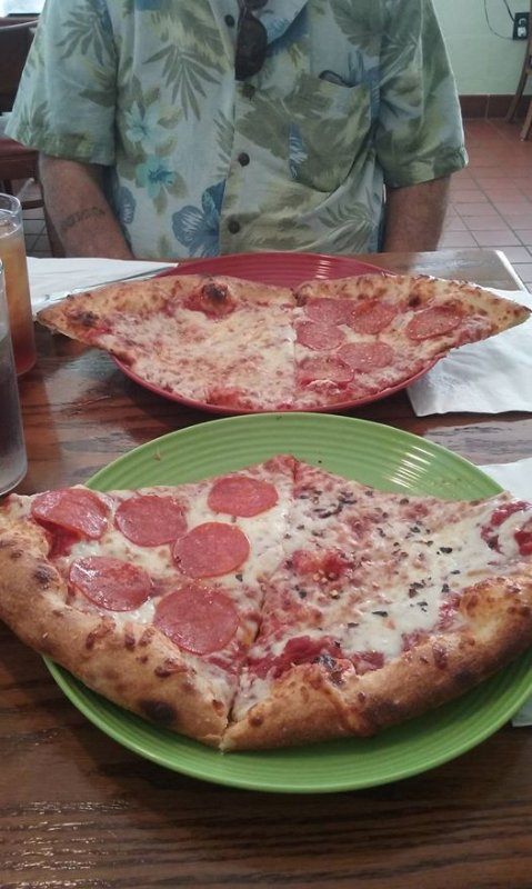 Mamita's Pizzeria - Amazing Lunch Specials - 5.8 mi. - BEST Pizza in 50 mi. or it's FREE, they say.