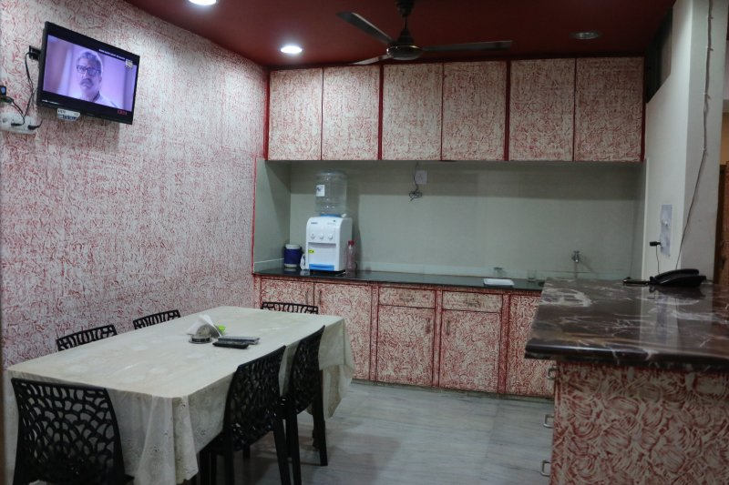 Air conditioned accommodation with all basic amenities
