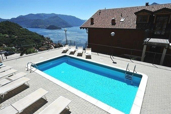Perledo Apartment Sleeps 4 with Pool and WiFi - 5841231, vacation rental in Regoledo