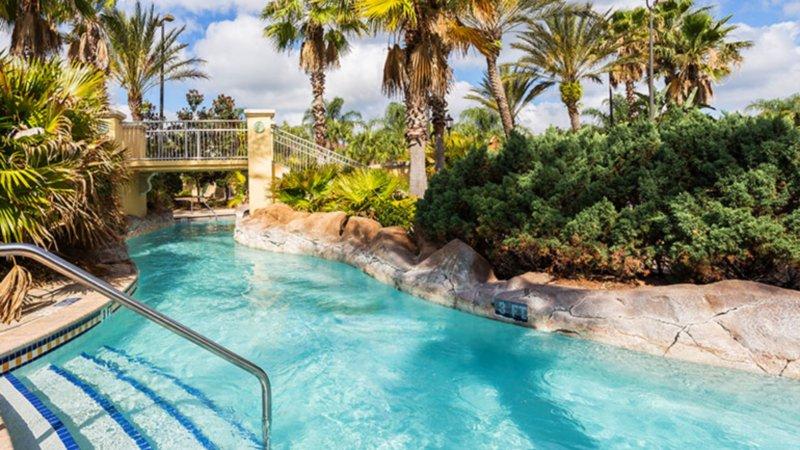 Beautiful 4 Bedroom Premium Townhome near Disney, holiday rental in Orlando