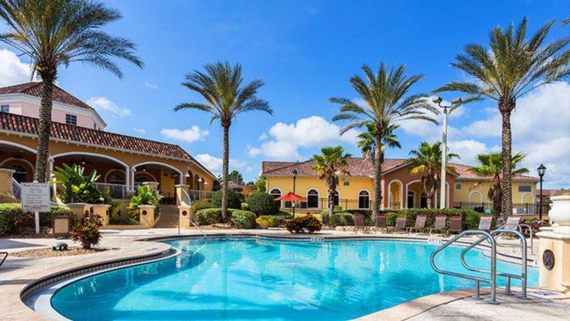 Spacious 4 Bedroom property near Disney, vacation rental in Orlando