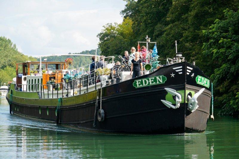 El crucero Edén; Mínimo 8 pasajeros ..