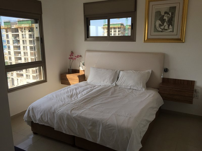 Principal Bedroom Suite En Com vista mar, cama king size, Walk in Sala de Vestir
