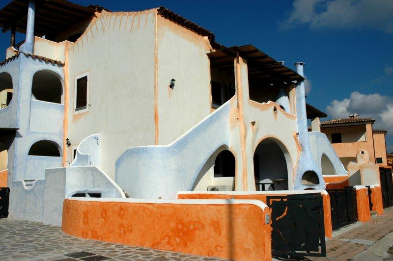 Stella Marina Gialla 6 posti letto, alquiler vacacional en Cala Liberotto