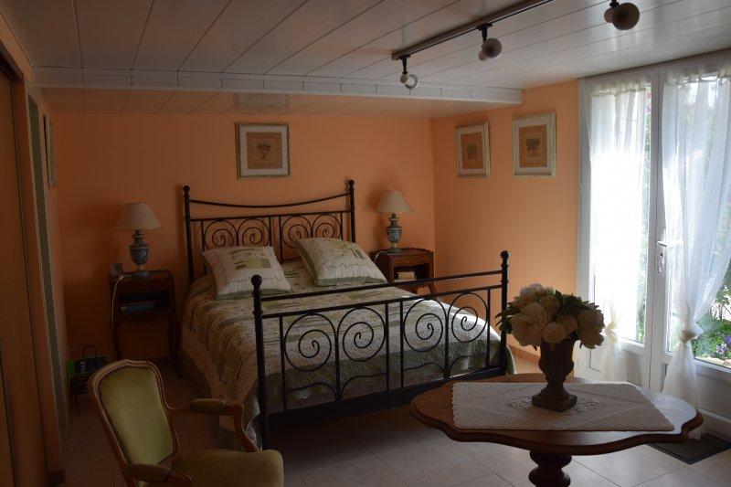 Chambre d'hôte Le Pigeonnier de Nadette, holiday rental in Limans