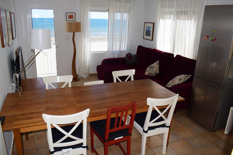 Apartamento sobre la arena en Playa Lisa., vacation rental in Elche