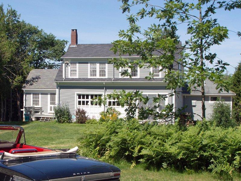 63 Bay View Ave, Casa e gramado