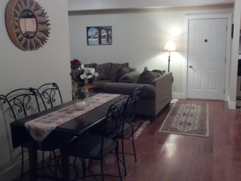 Full meet rate  $7500.00,  5 min. walk to track, vacation rental in Saratoga Springs