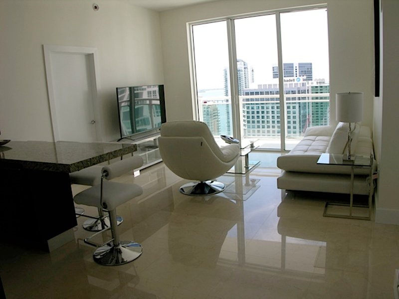 Luxurious & Fully equipped 2 bedroom 2 bathroom Condo in Brickell!