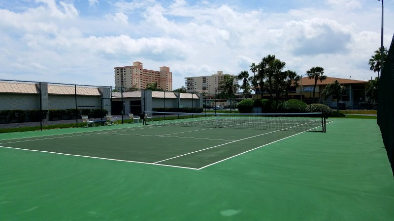 Our private tennis court, no reservations needed