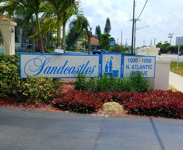 The entry sign to the resort condominium complex.