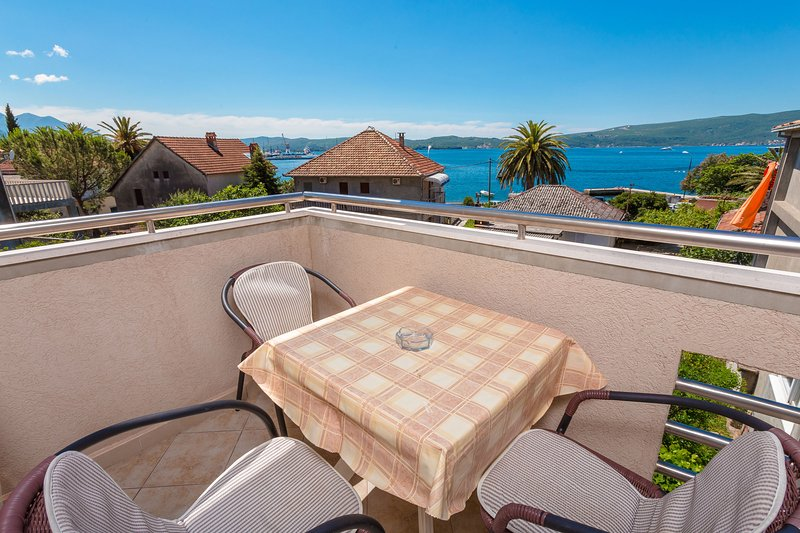 Studio  - beautiful sea view, vacation rental in Tivat Municipality
